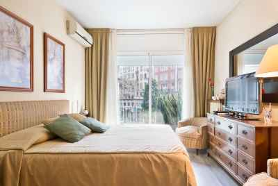 Spacious apartment with terrace in Sant-Gervasi district of Barcelona